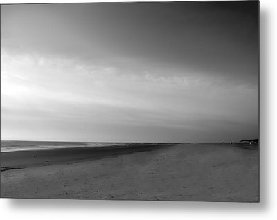 Metal Print featuring the photograph Morning At Tybee Island by Frank Bright