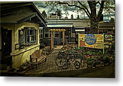 Metal Print featuring the photograph Morning Glory Cafe Ashland by Thom Zehrfeld