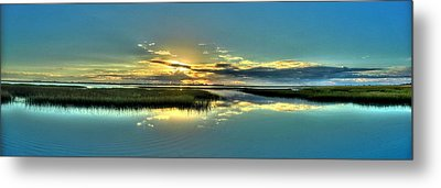 Metal Print featuring the photograph Morse Park Landing Sunrise by Ed Roberts