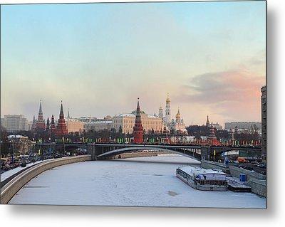 Moscow Kremlin In Winter Metal Print