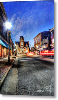 Most Beautiful Small Town In America At Christmas Metal Print by Darren Fisher