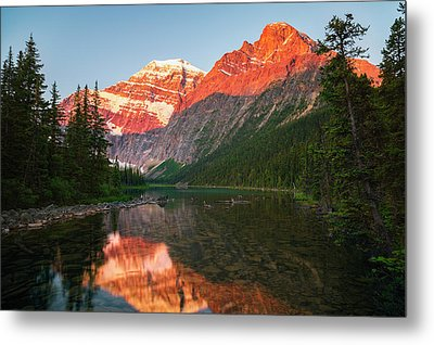 Mount Edith Cavelle In Jasper National Metal Print by Justin Sinclair