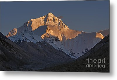 Mount Everest At Dusk Metal Print by Hitendra SINKAR