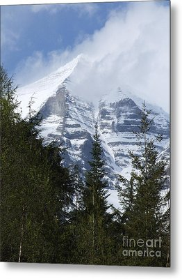 Mount Robson - Spindrift Metal Print by Phil Banks