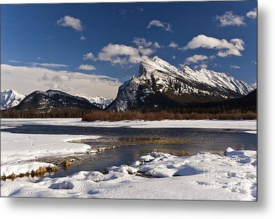 Mount Rundle Metal Print by Dee Cresswell