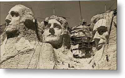 Mount Rushmore Construction Metal Print by Underwood Archives