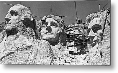 Mount Rushmore In South Dakota Metal Print by Underwood Archives