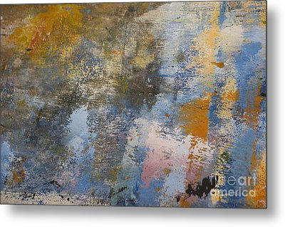 Mulberry On Concrete Metal Print by Nola Lee Kelsey