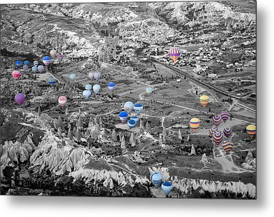 Multiple Balloons Metal Print by Ernesto Cinquepalmi