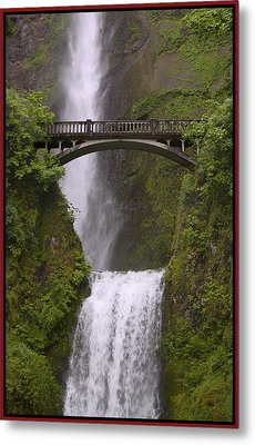 Multnomah Falls Oregon Metal Print by Gary Grayson
