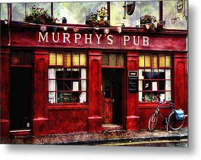 Metal Print featuring the photograph Murphy's Pub by Brian Tarr