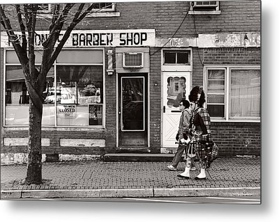 Music - Bag Piper - Somerville Nj -  The Scottsman Metal Print by Mike Savad
