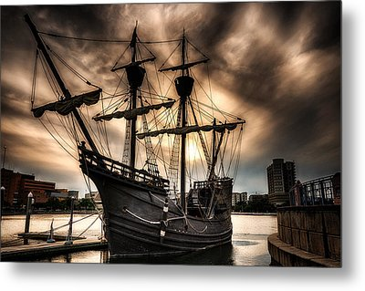 Nao Victoria In Hdr Metal Print by Michael White