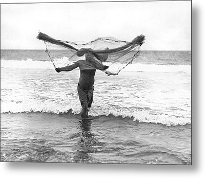 Native Hawaiian Fisherman Metal Print by Underwood Archives