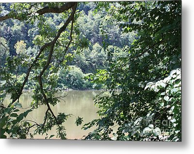Nature's Frame Of The Delaware Water Gap Metal Print by John Telfer
