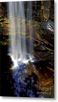 Natures Shower Stall Metal Print by Paul W Faust -  Impressions of Light
