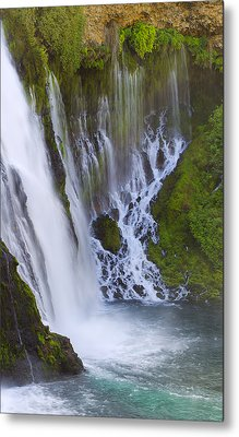 Natures Water Fountain Metal Print by Loree Johnson