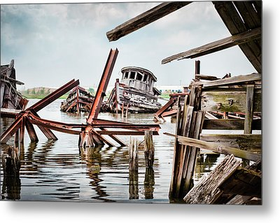 Nautical - Shipwreck -twisted Grave Metal Print by Gary Heller