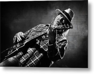 Neil Young On Guitar In Black And White  Metal Print