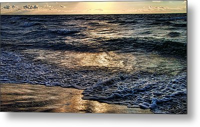 Never Ending Wave At Night Metal Print