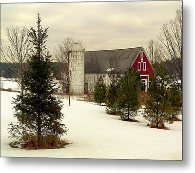 New Hampshire Barn Metal Print by Janice Drew