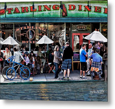 People Are Flooding To The Starling Diner Metal Print by Bob Winberry