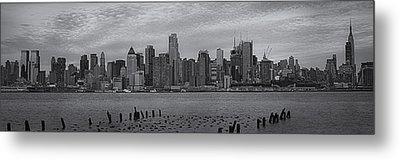 New York City Skyline Panoramic Bw Metal Print