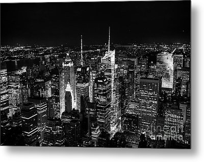 New York Times Square Bw Metal Print by Matt Malloy