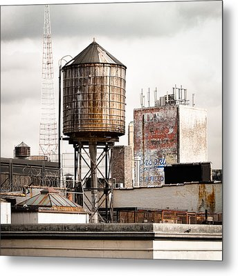 New York Water Tower 16 Metal Print by Gary Heller