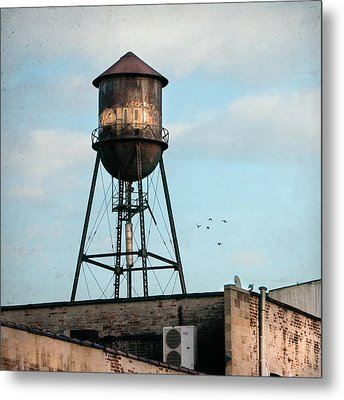 New York Water Tower 7 Metal Print by Gary Heller