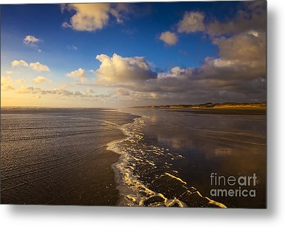New Zealand Ninety Mile Beach Metal Print by Colin and Linda McKie