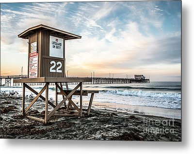 Newport Beach Pier And Lifeguard Tower 22 Photo Metal Print by Paul Velgos