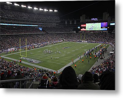Nfl Patriots And Tom Brady Showtime Metal Print by Juergen Roth