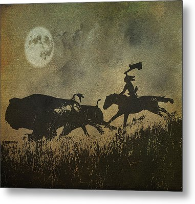 Metal Print featuring the photograph Night Hunter by Roy  McPeak