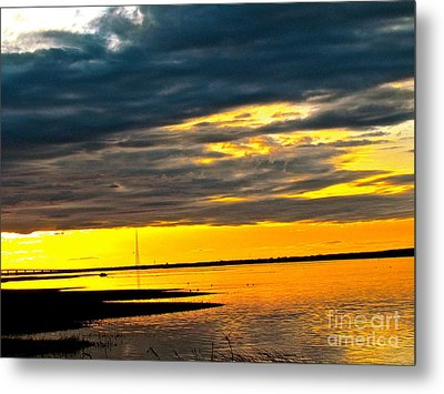 Night Meets Day Metal Print by Q's House of Art ArtandFinePhotography