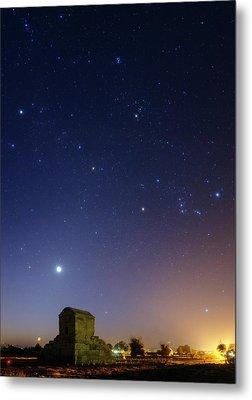Night Sky Over Tomb Of Cyrus The Great Metal Print by Babak Tafreshi