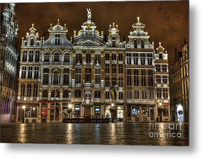 Night Time In Grand Place Metal Print by Juli Scalzi