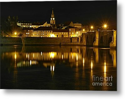 Metal Print featuring the photograph Night View Of The River Tweed At Berwick by Les Bell