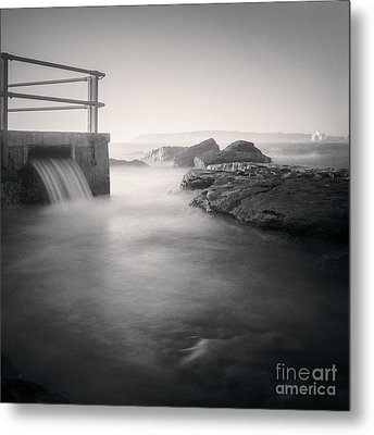 North Curl Curl Rockpool Sydney Metal Print by Colin and Linda McKie