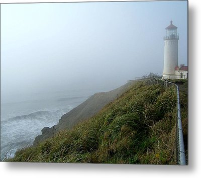 Metal Print featuring the photograph North Head Lighthouse 1 by Peter Mooyman
