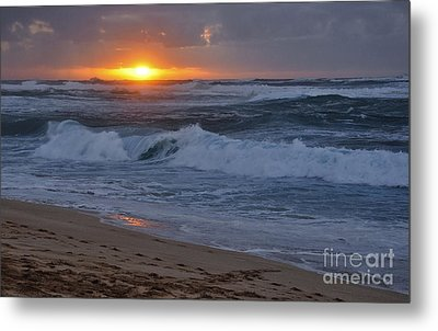 Metal Print featuring the photograph Northshore Nightfall by Gina Savage