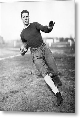 Notre Dame Football Player Metal Print by Underwood Archives