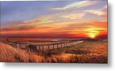 November Sunset On The Cattle Pens Metal Print by Rod Seel