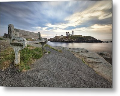 Nubble Bench Metal Print by Eric Gendron