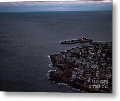 Nubble From The Air Metal Print by Scott Thorp