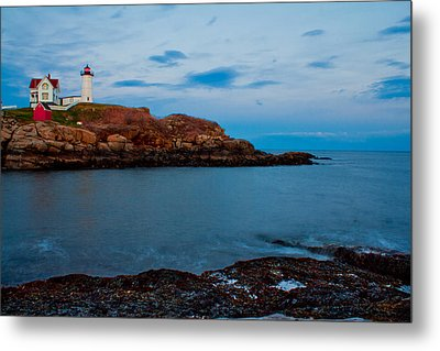 Nubble Light At Cape Neddick Maine Metal Print by John McGraw