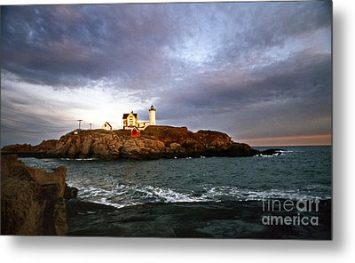 Nubble Lighthouse Metal Print by Skip Willits