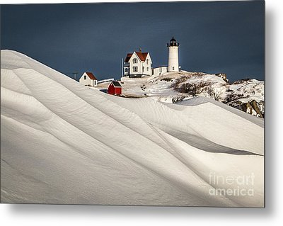 Nubble Snow Drift Metal Print by Benjamin Williamson