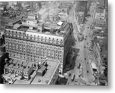Nyc, Times Square, Hotel Astor, 1915-20 Metal Print by Science Source
