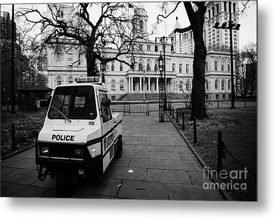 Nypd Police Three Wheeled Cushman Scooter Vehicle Outside City Hall Park New York City Metal Print by Joe Fox